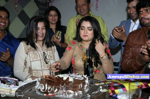 Amrapali Dubey Birthday Pics